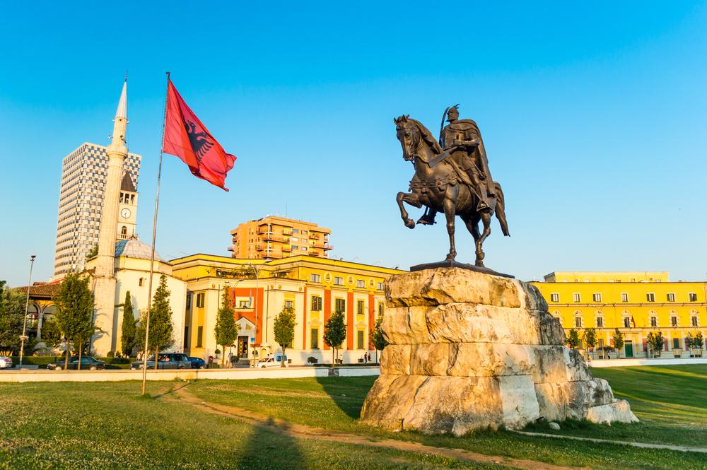 Tirana, plac Skanderbega
